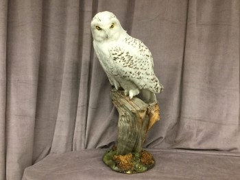 "Snowy Owl, Reproduction Taxidermy, Mounted On Mossy Log, HANDPROP, White, Brown, Mounted Taxidermy, Taxidermy, Normal Wear And Tear, 14""W, 14""D, 28""H, Feather, Wood, Nature"